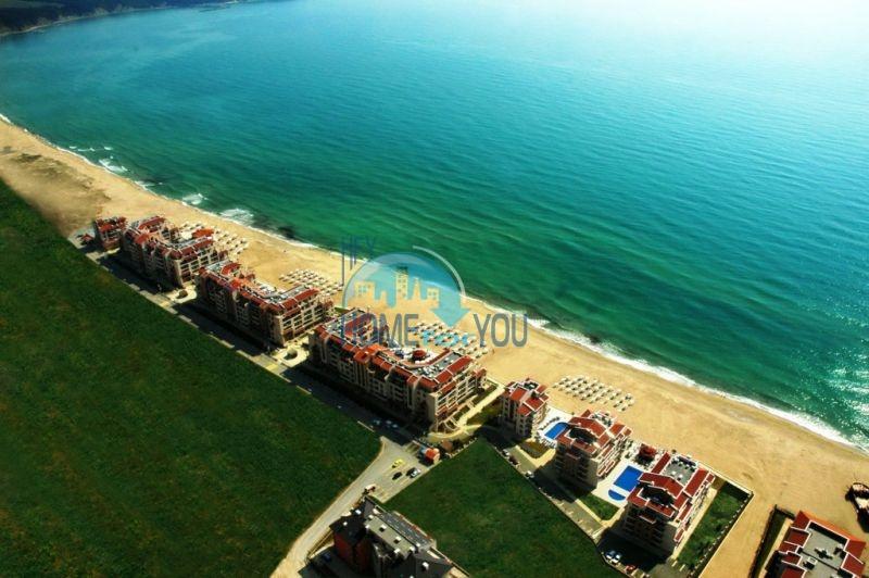 Продаются квартиры на первой линии моря в Обзор Бийч Резорт 18