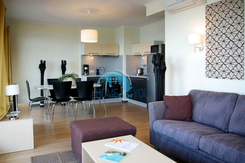 Продаются квартиры на первой линии моря в Обзор Бийч Резорт 25