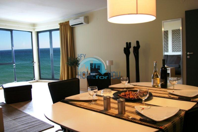 Продаются квартиры на первой линии моря в Обзор Бийч Резорт 27