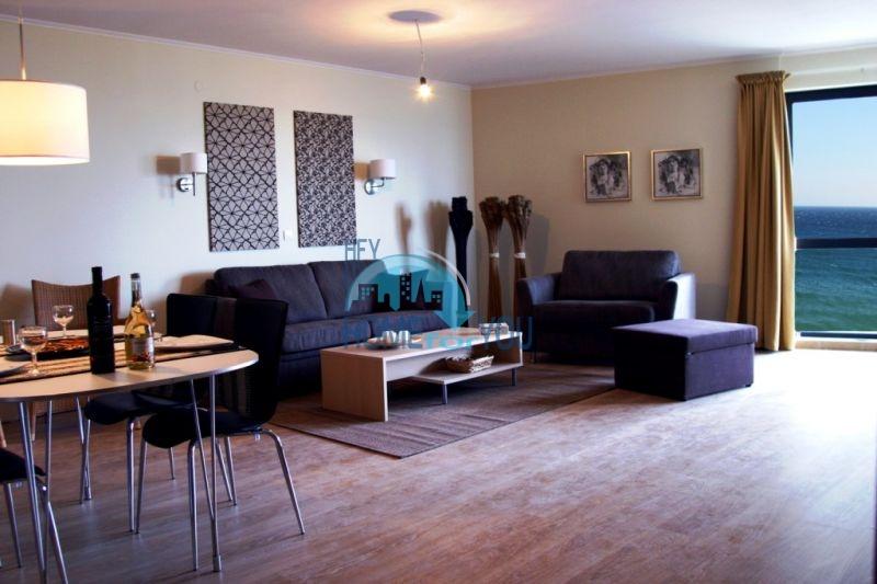 Продаются квартиры на первой линии моря в Обзор Бийч Резорт 28
