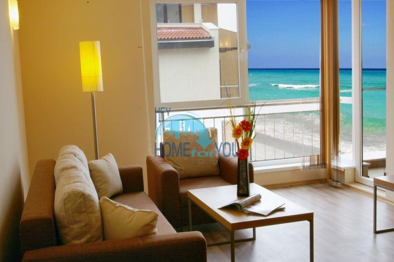 Продаются квартиры на первой линии моря в Обзор Бийч Резорт 29