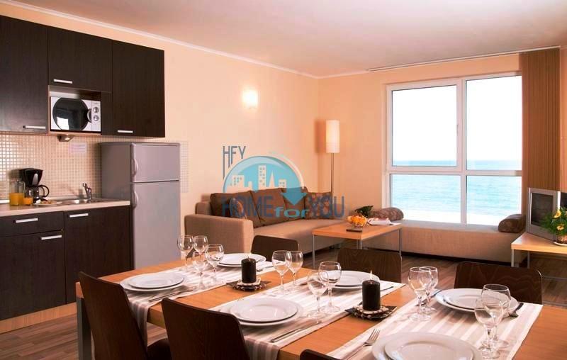 Продаются квартиры на первой линии моря в Обзор Бийч Резорт 30