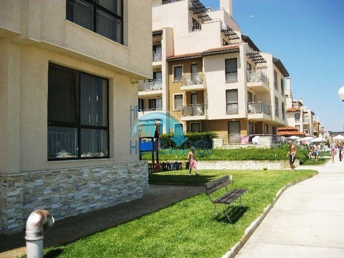 Продаются квартиры на первой линии моря в Обзор Бийч Резорт 5
