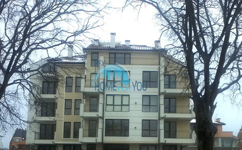 Квартиры в новостройке в 200 м от моря в Царево