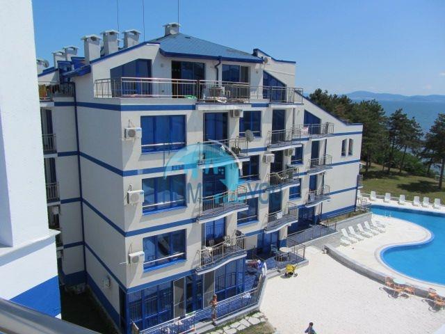 Блу Бей Палас - квартиры на первой линии моря в Поморие