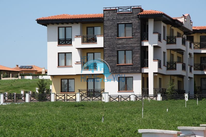 Четырехкомнатная квартира на первой линии в Черноморце