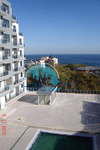 Ялта - продается элитное жилье у моря в Золотых Песках