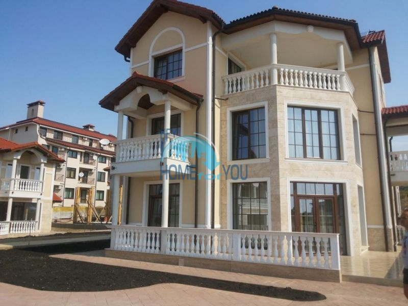 Дома на продажу у моря в Кошарице - Saint Nikola Houses Garden