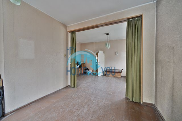 Многокомнатная квартира на продажу в центре города София 2