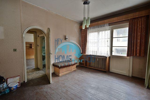 Многокомнатная квартира на продажу в центре города София 3