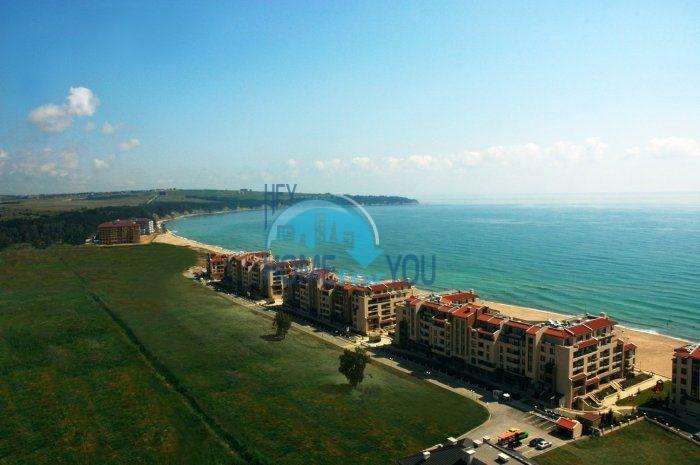 Двухкомнатная квартира с панорамой на море на первой линии в Обзоре 4