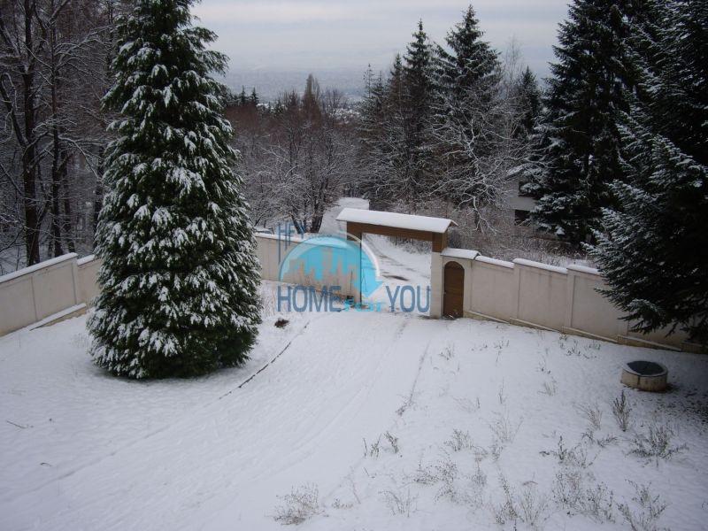Недвижимость в Софии - двухэтажный кирпичный дом с участком в кв. Драгалевци 2