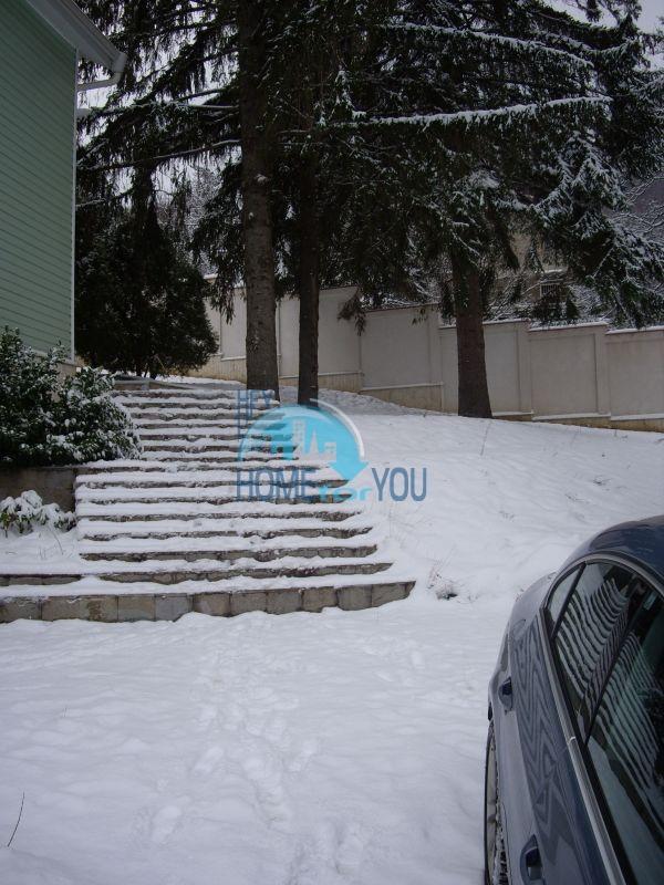 Недвижимость в Софии - двухэтажный кирпичный дом с участком в кв. Драгалевци 3