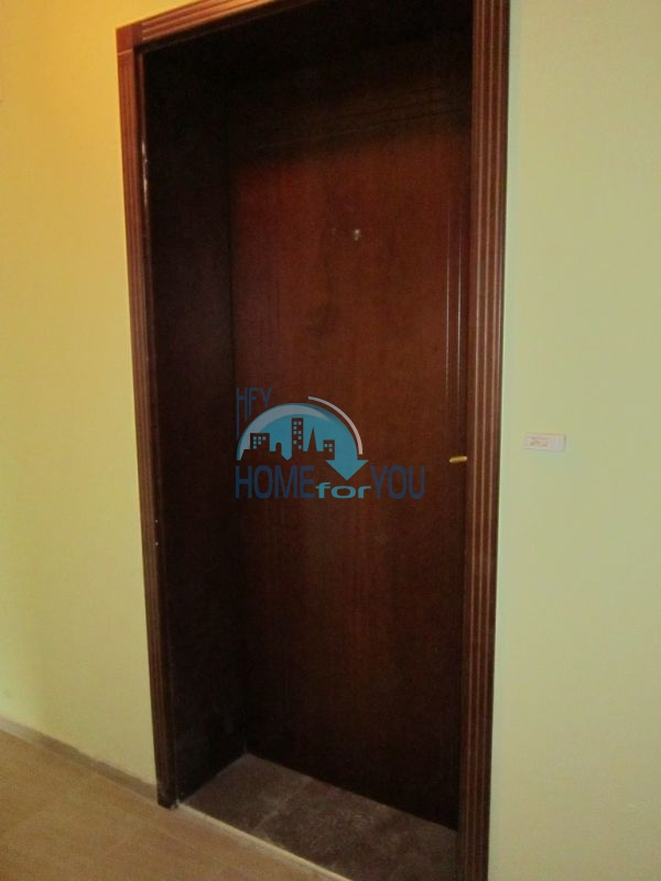 Недвижимость в г. Бургас - трехкомнатная квартира в кв.