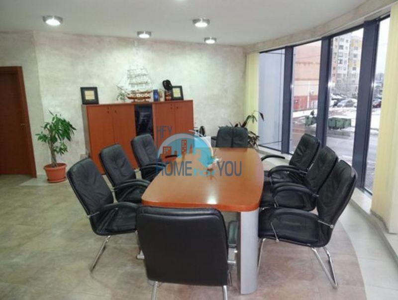 Продажа офисного здания в городе София 4