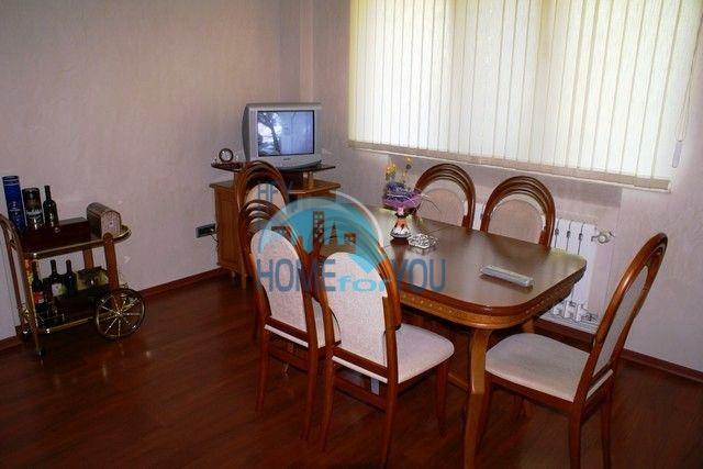 Трехэтажный меблированный дом в Варне, Евксиноград 7