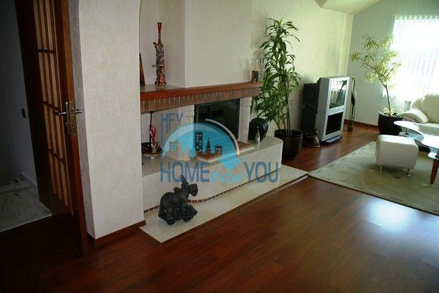 Трехэтажный меблированный дом в Варне, Евксиноград 10