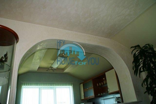Трехэтажный меблированный дом в Варне, Евксиноград 17