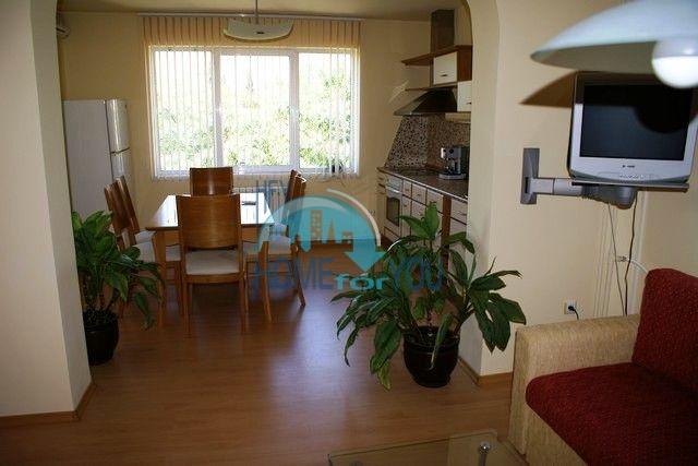 Трехэтажный меблированный дом в Варне, Евксиноград 23