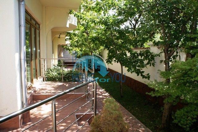 Трехэтажный меблированный дом в Варне, Евксиноград 31