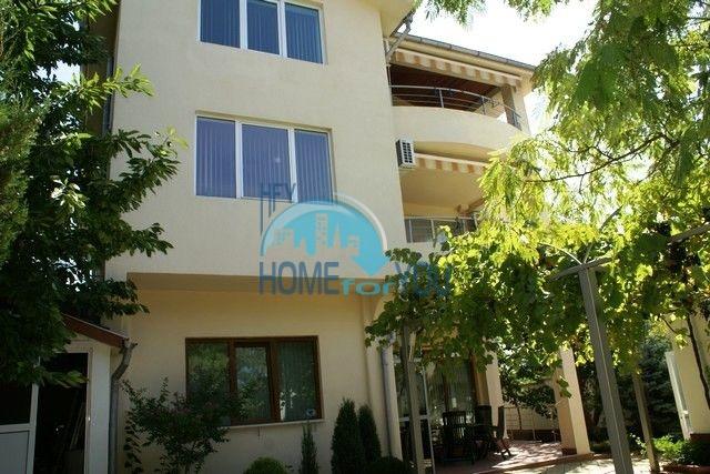 Трехэтажный меблированный дом в Варне, Евксиноград 34