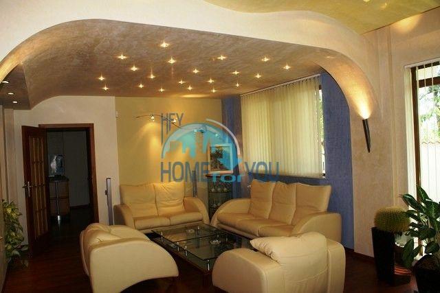 Трехэтажный меблированный дом в Варне, Евксиноград 35