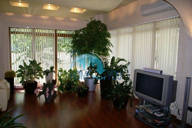 Трехэтажный меблированный дом в Варне, Евксиноград 38
