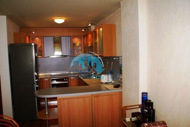 Трехэтажный меблированный дом в Варне, Евксиноград 42