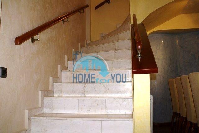 Трехэтажный меблированный дом в Варне, Евксиноград 48