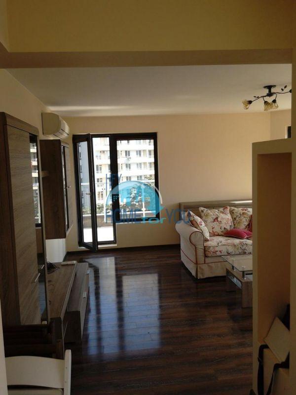 Отличный трехкомнатный апартамент в центре Варны 5