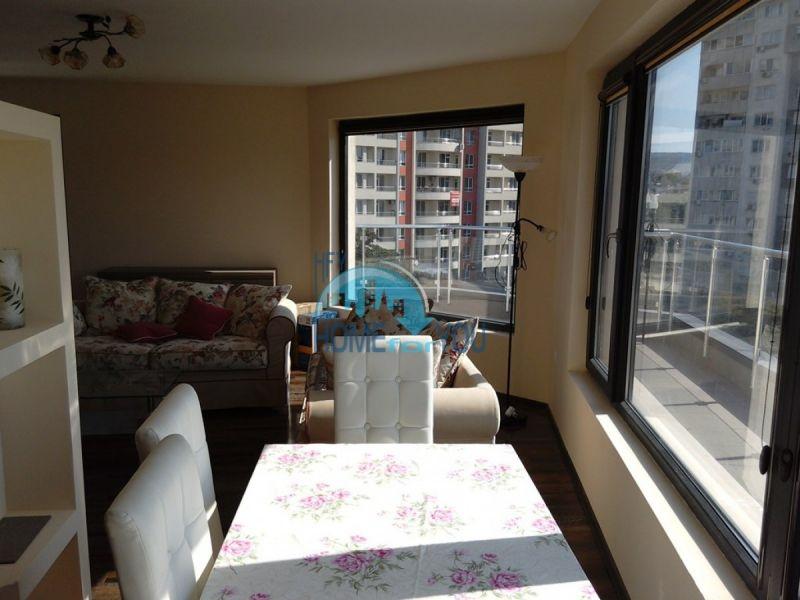 Отличный трехкомнатный апартамент в центре Варны 8