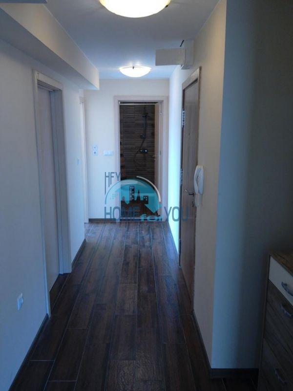 Отличный трехкомнатный апартамент в центре Варны 16