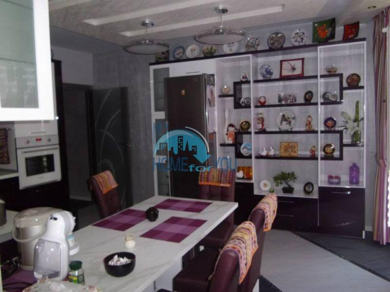 Продажа трехкомнатной квартиры в Бургасе