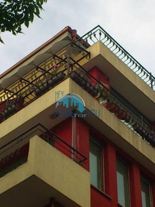 Продажа двухкомнатной квартиры в центре Бургаса