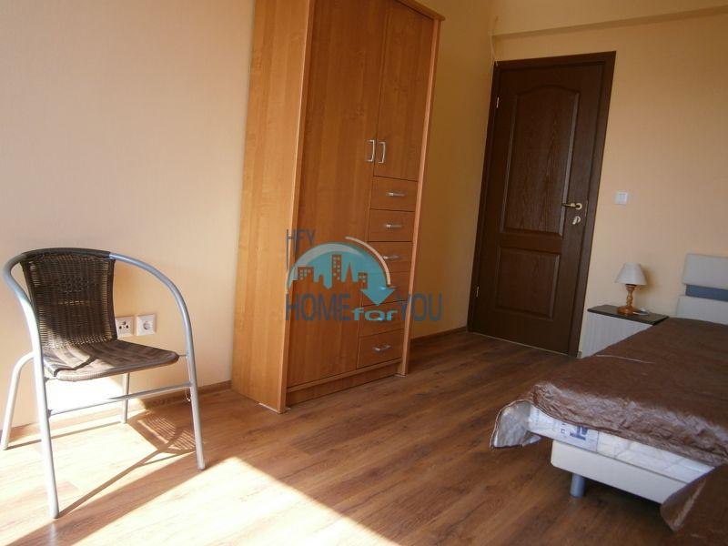 Меблированный дом на первой линии моря в курорте Царево 9