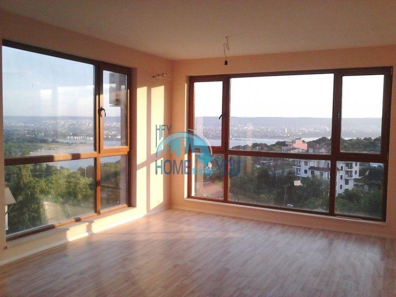 Продажа двухкомнатной квартиры с видом на море в Варне