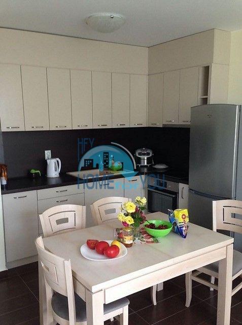Отличная трехкомнатная квартира для постоянного проживания у моря в Равде