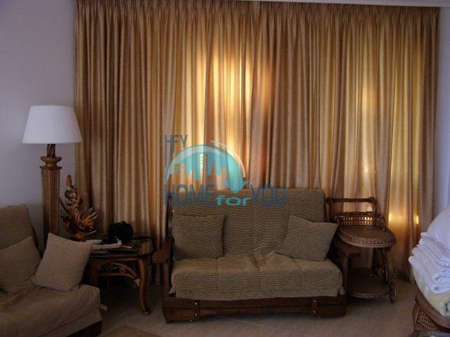 Двухкомнатная квартира на первой линии моря в курорте Солнечный берег 19