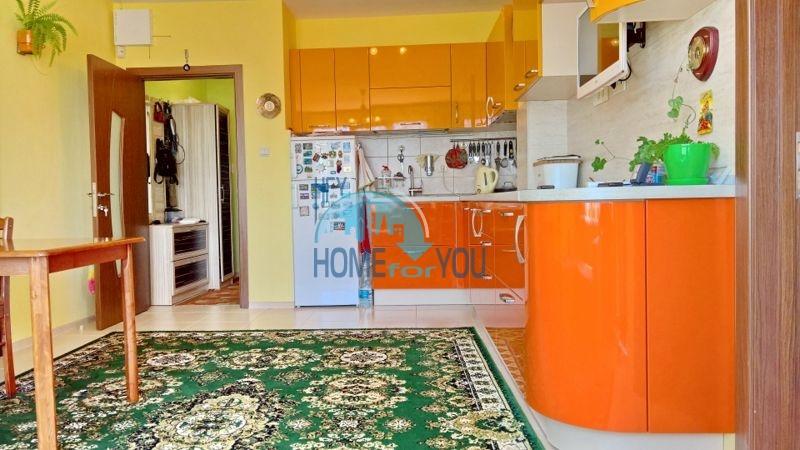 Трехкомнатная уютная квартира для постоянного проживания у моря в Равде