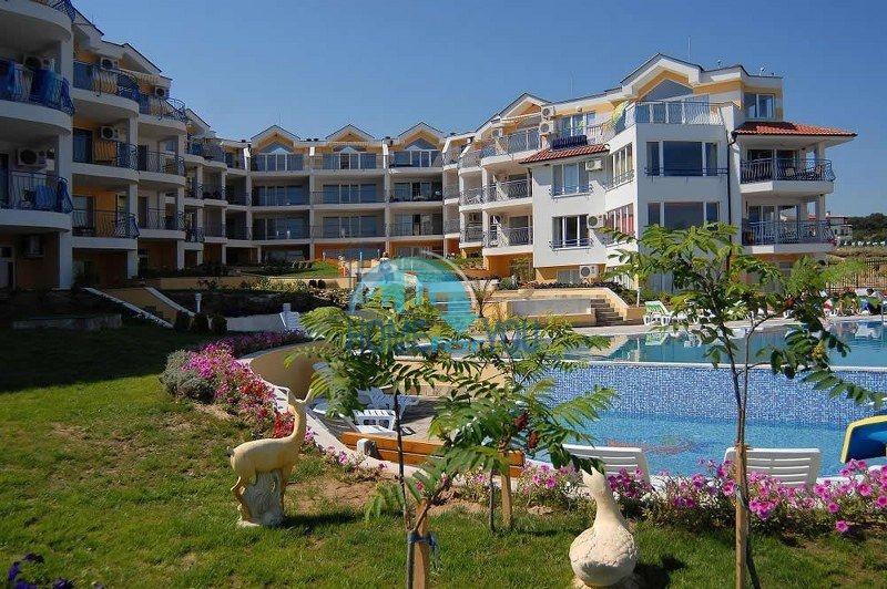 Продажа великолепной квартиры с потрясающим видом на море в Созополе