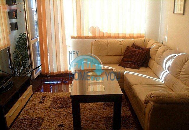 Трехкомнатная меблированная квартира для постоянного проживания в Равде