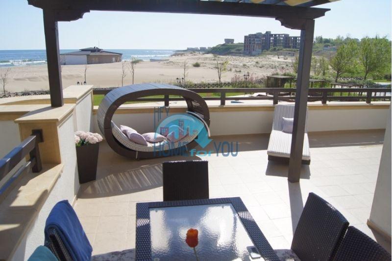 Продажа шикарной квартиры с видом на море в курортном городке Лозенец