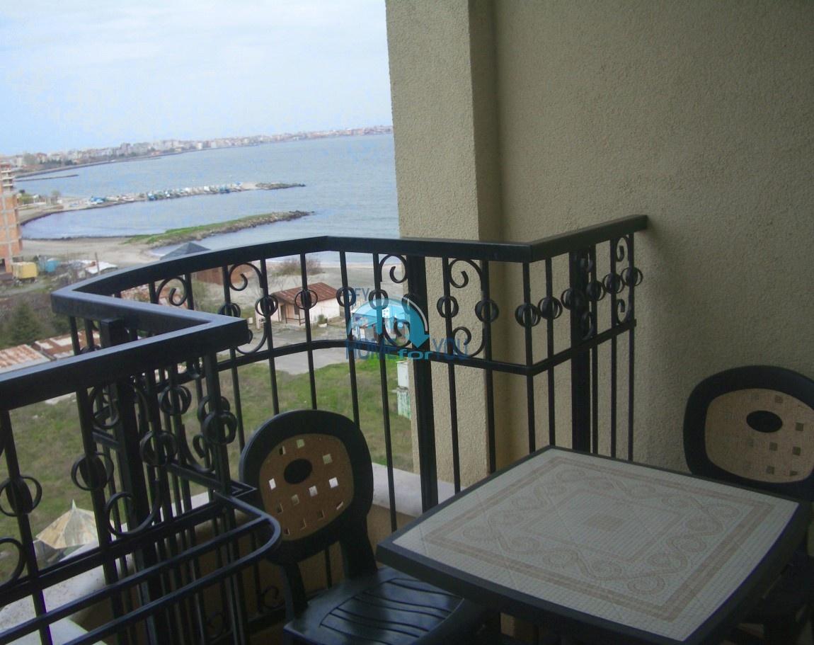 Вид на море, первая линия в Поморие. Просторная студия 58,73 кв.м в элитном комплексе