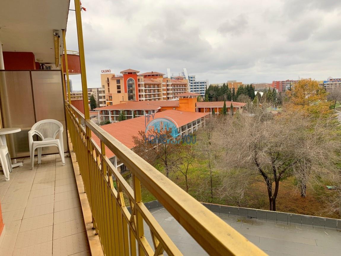 Просторная, меблированная двухкомнатная квартира по выодной цене на Солнечном берегу