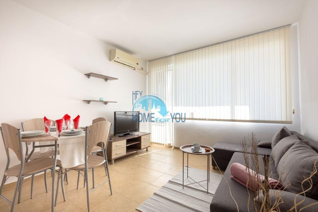 Двухкомнатная квартира с видом на море в комплексе Коста Калма в Равде