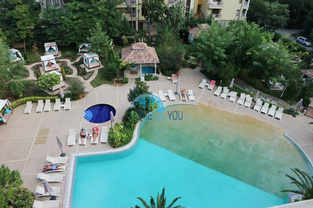 Шикарная трехкомнатная квартира на Солнечном берегу