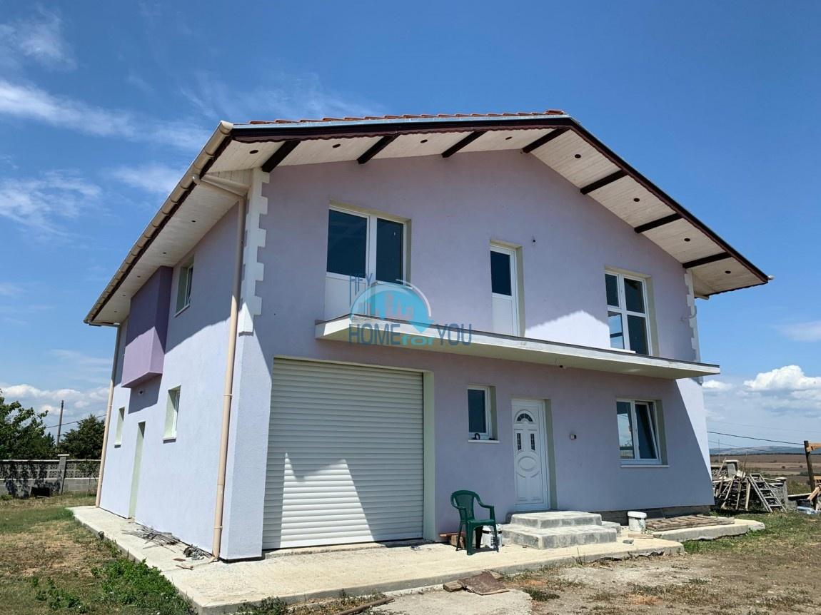 Бургас, вид на горы. Новый двухэтажный дом 254 кв.м с участком в селе Александрово (10 км от Солнечного берега)