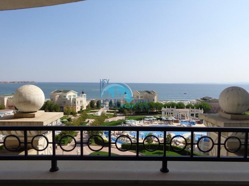 Поморие, комплекс ,,Сансет Резорт''.  Большая двухкомнатная квартира с панорамным видом на море