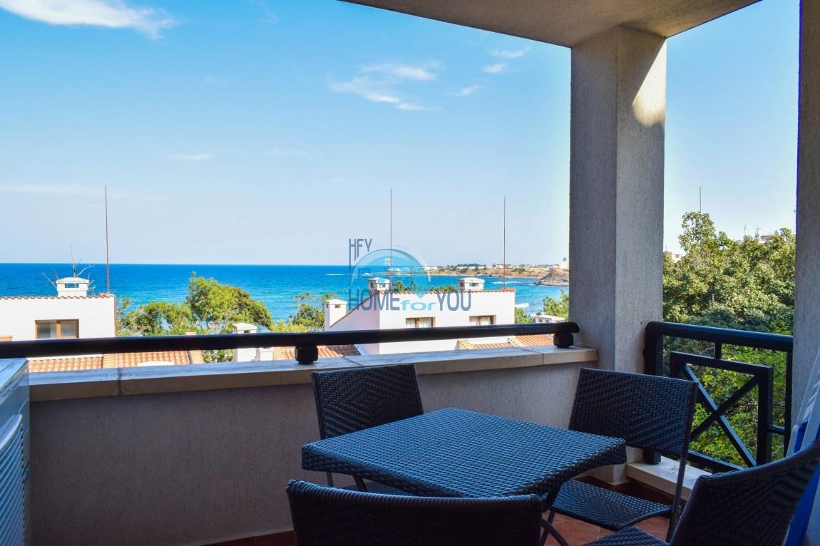 Уютная двухкомнатная квартира 68,16 кв.м в видом на море на первой линии в элитном комплексе