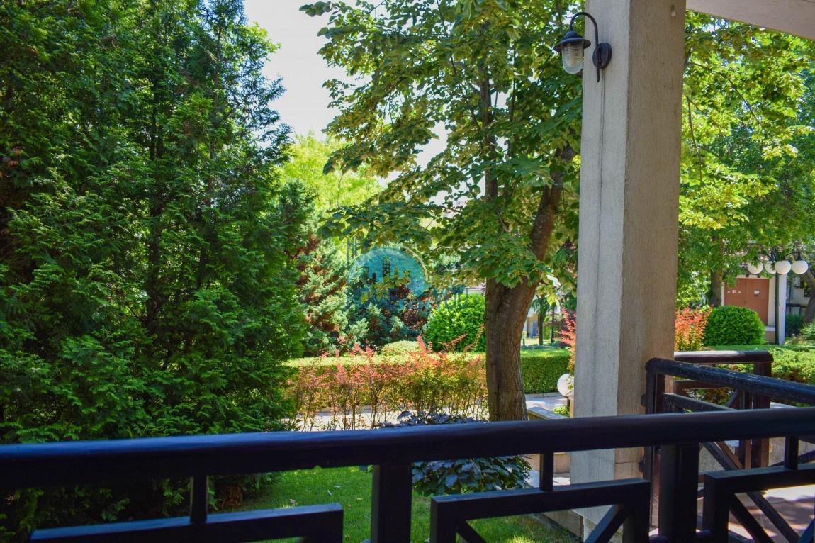 Просторная двухкомнатная квартира 81,23 кв.м с прекрасной терасой и выходом в роскошный сад в элитном комплексе